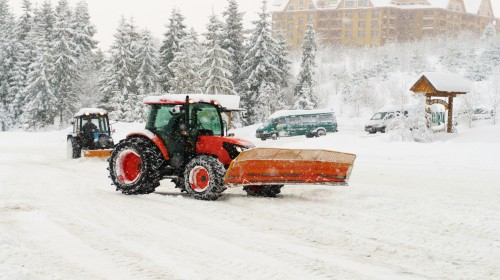 Top reasons you need to hire snow removal service