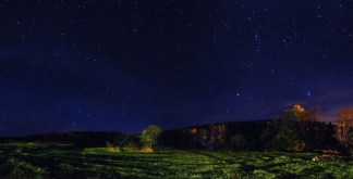 http://en.wikipedia.org/wiki/File:1_vermont_night_stargazing_panorama_2009.jpg