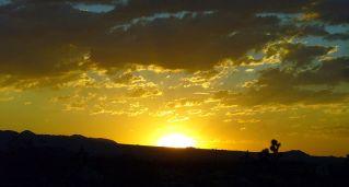 http://en.wikipedia.org/wiki/File:Actual_Sunset.jpg