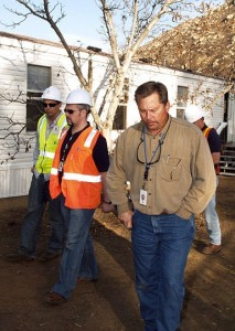 http://commons.wikimedia.org/wiki/File:FEMA_-_33789_-_A_building_inspector_speaks_with_contractors_and_FEMA_officials_in_California.jpg
