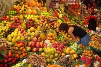 http://en.wikipedia.org/wiki/File:Fruit_Stall_in_Barcelona_Market.jpg