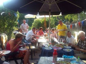 http://commons.wikimedia.org/wiki/File:Dutch_family_bbq.jpg