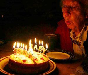 https://commons.wikimedia.org/wiki/File:Birthday_2011.jpg