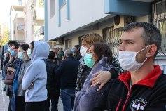 https://commons.wikimedia.org/wiki/File:2020_Aegean_Sea_earthquake_people.jpg