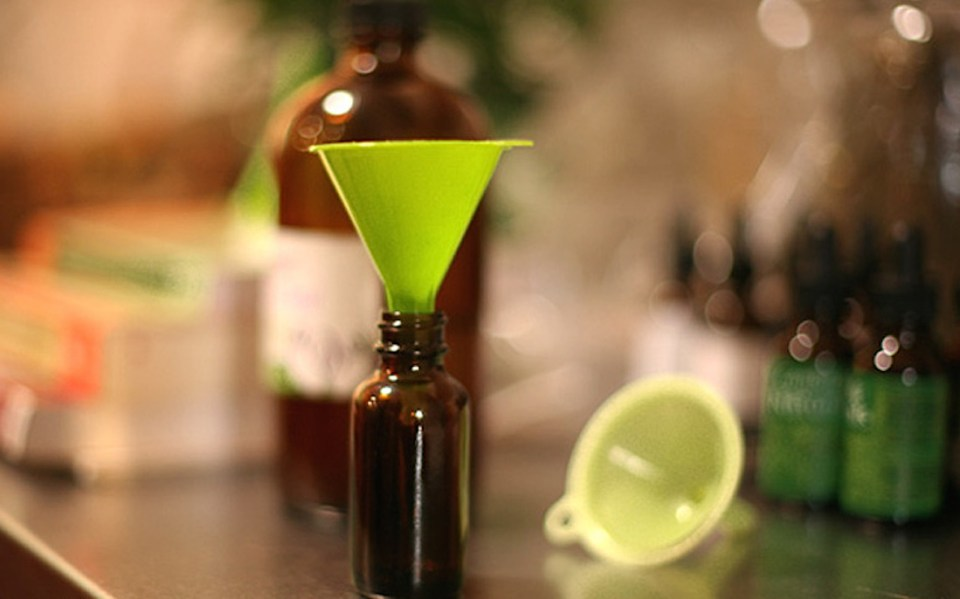 How To Make A Tincture - Herbal Academy blog