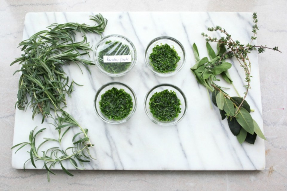 Preserving-Fresh-Herbs-with-Herb-Paste