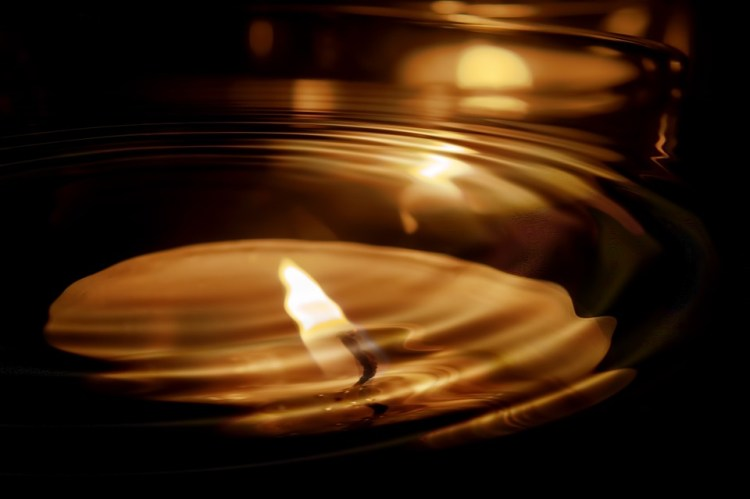 candle-553760_960_720