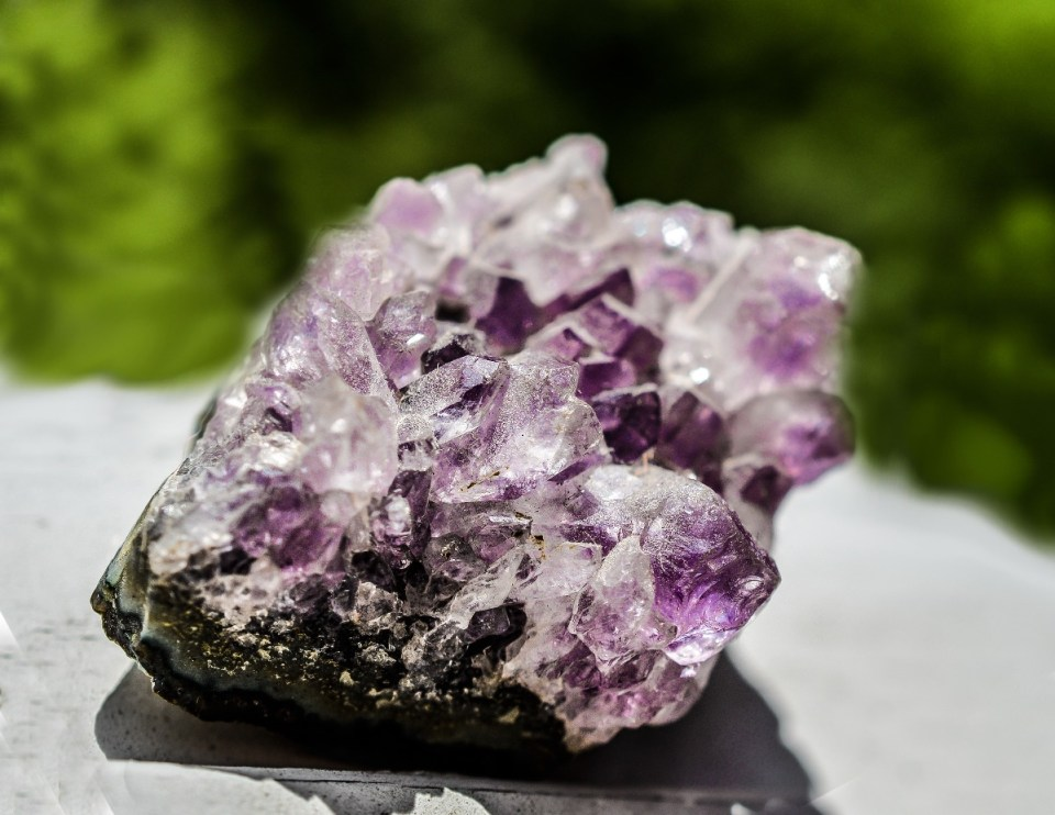 How To Use Chromotherapy And Gemstones For Mind-Body Balance | Herbal Academy | This article will explore chromotherapy and gemstones that are beneficial for your dosha, and ultimately, mind-body balance.