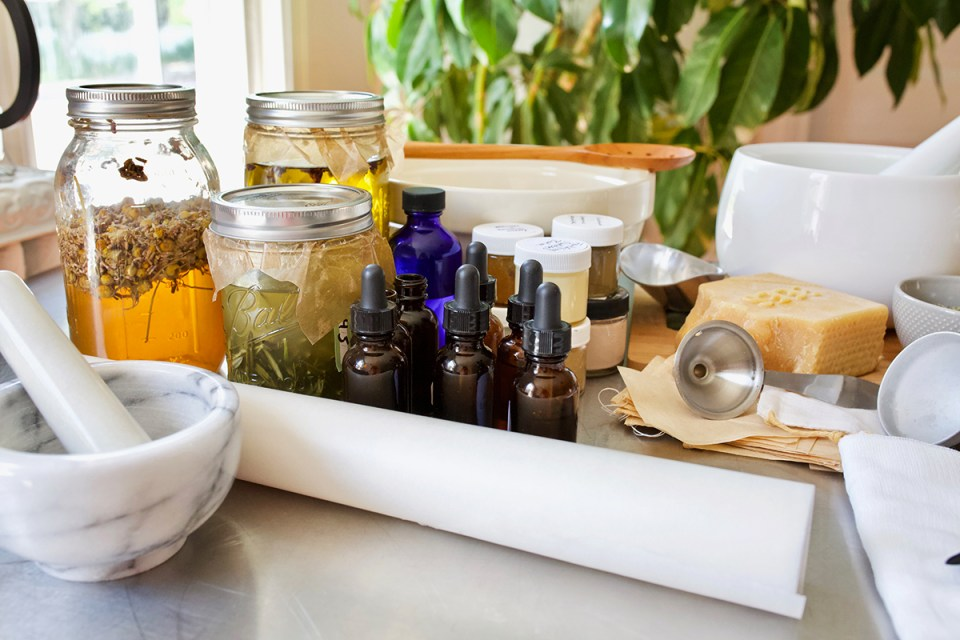 The Best Places to Purchase Herbs and Supplies World-Wide | Herbal Academy | We've pulled together some of the best places to purchase herbs and supplies world-wide to make it easier to find what you need for your herbal studies!