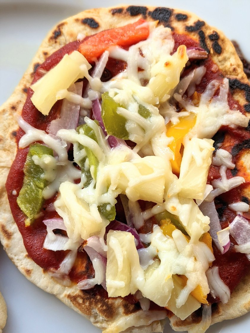 hawaiian pizza with naan crust pineapple pizzas onions bell pepper roasted cheese or vegan cheese and onion slices healthy veggie naan pizza recipe