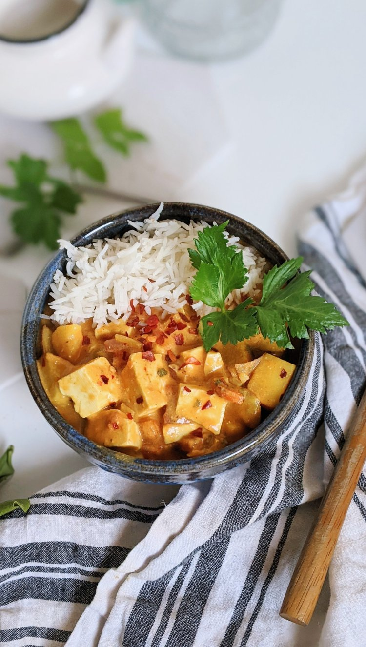 coconut milk curry with tofu recipe thai curries for dinner easy pantry staple dinner ideas vegan vegetarian meatless monday veganuary gluten free dairy free