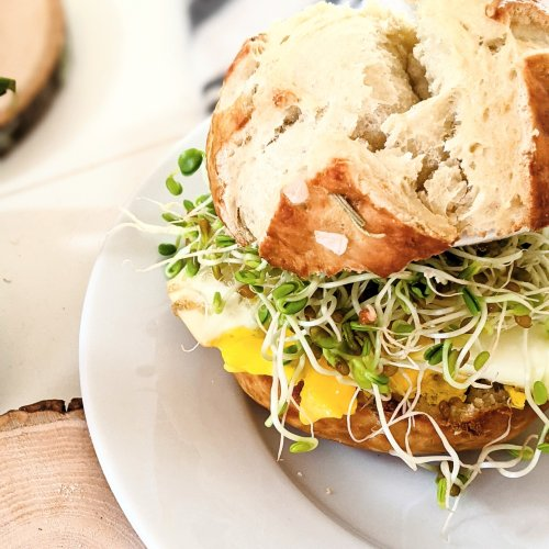 vegetarian pretzel bun sandwich recipe for breakfast sandwich with pretzel bread recipe eggs and bacon pretzel sandwiches