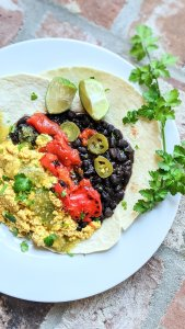 vegan huevos rancheros recipe gluten free huevos ranchers with tofu high protein mexican breakfasts plant based egg scramble southwest flavors healthy