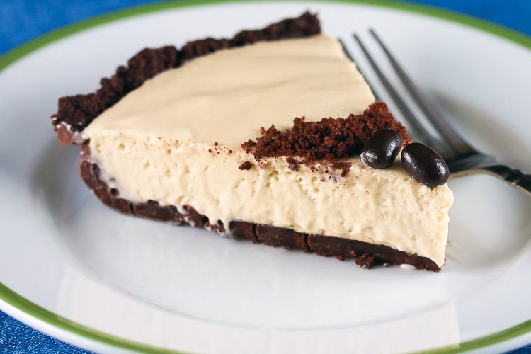 Kahlua Cream Pie with Chocolate Cookie Crust (Gluten-Free)