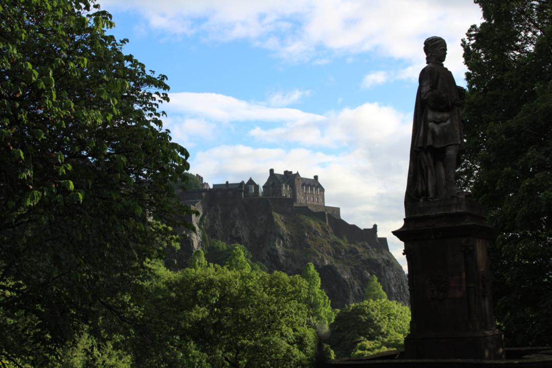 edinburgh castle on the hill