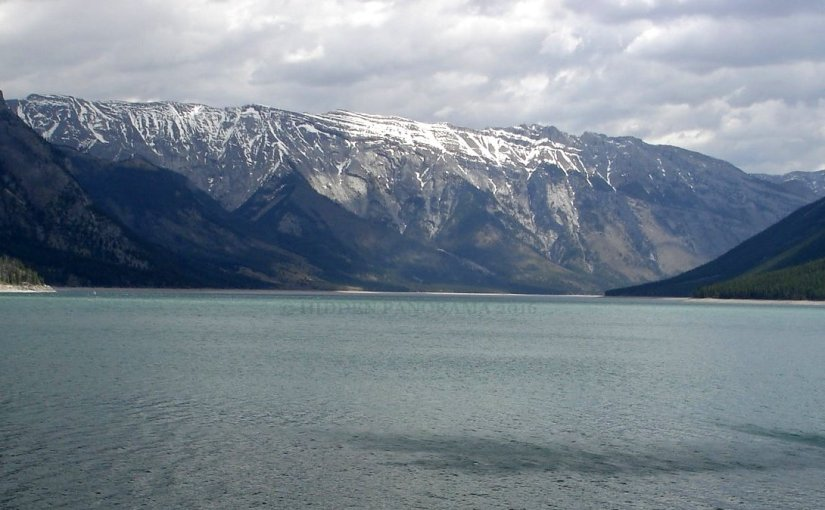 Panoramic View : Lake Minnewanka