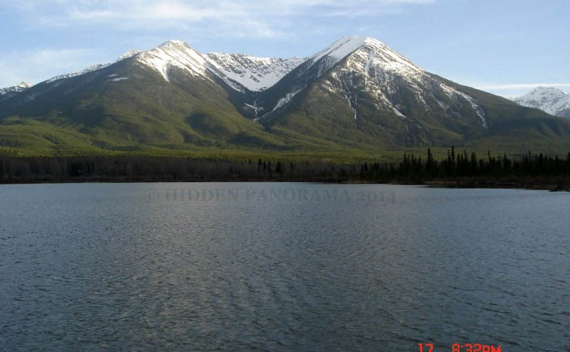 Panoramic View : Sulphur Mountain and Vermilion Lakes