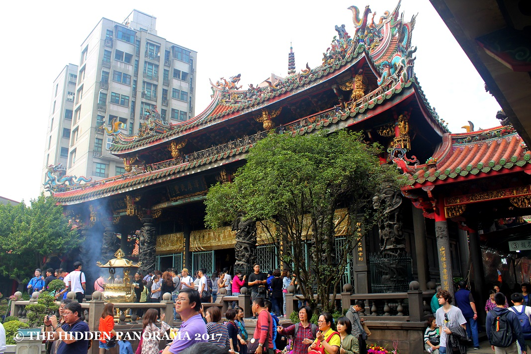 Structure : Longshan Temple - Taiwan's Famous Old Temple