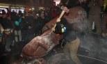 Smashes Lenin statue Kiev