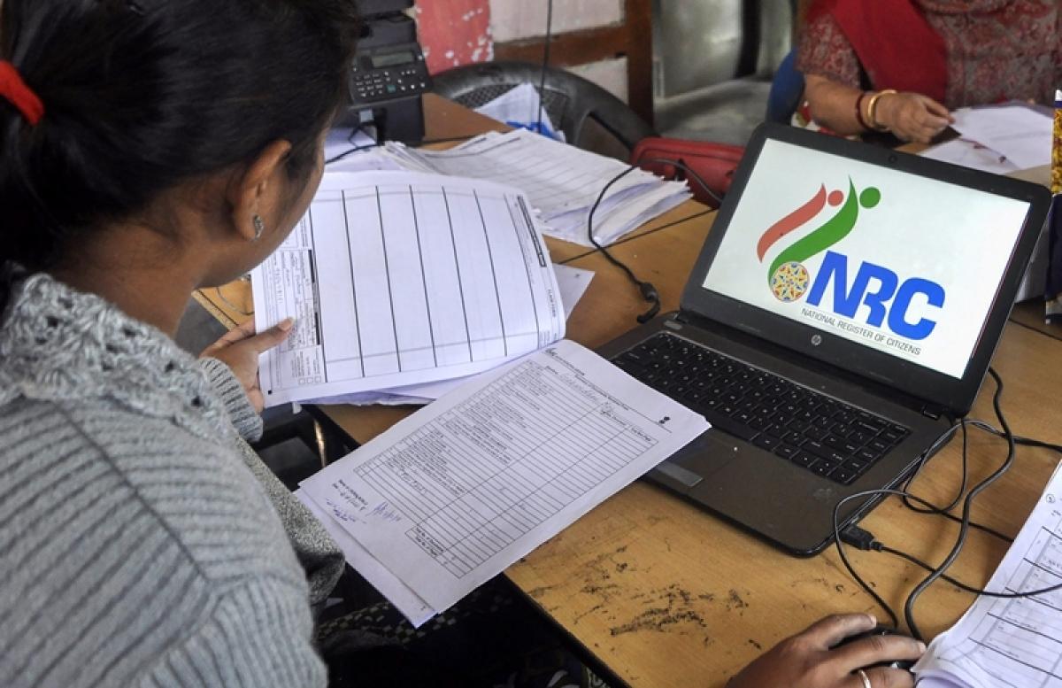 असम NRC: 'अयोग्य' लोग शामिल उनकी पहचान करें अधिकारी: NRC संयोजक