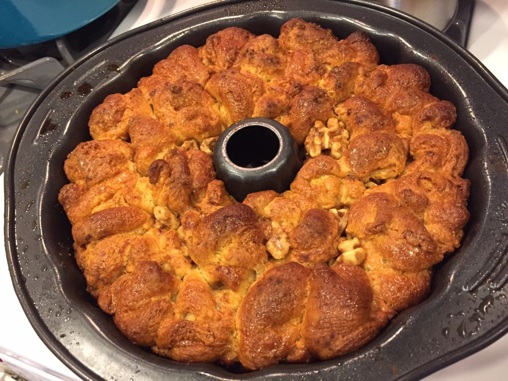 The Easiest Monkey Bread Recipe Ever with @earth_balance and @Pillsbury Crescent Rolls #vegan (5/6)