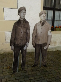Electrician Willy Pöhnert and Perodeau
