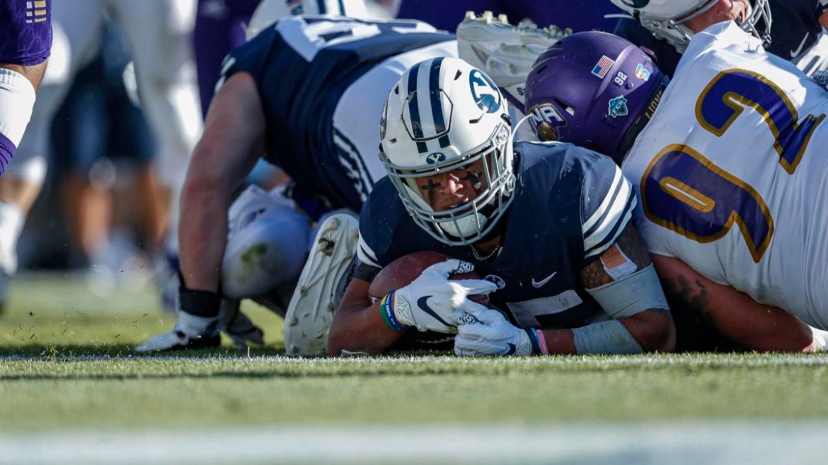 BYU Football: The Cougars remain Purrfect