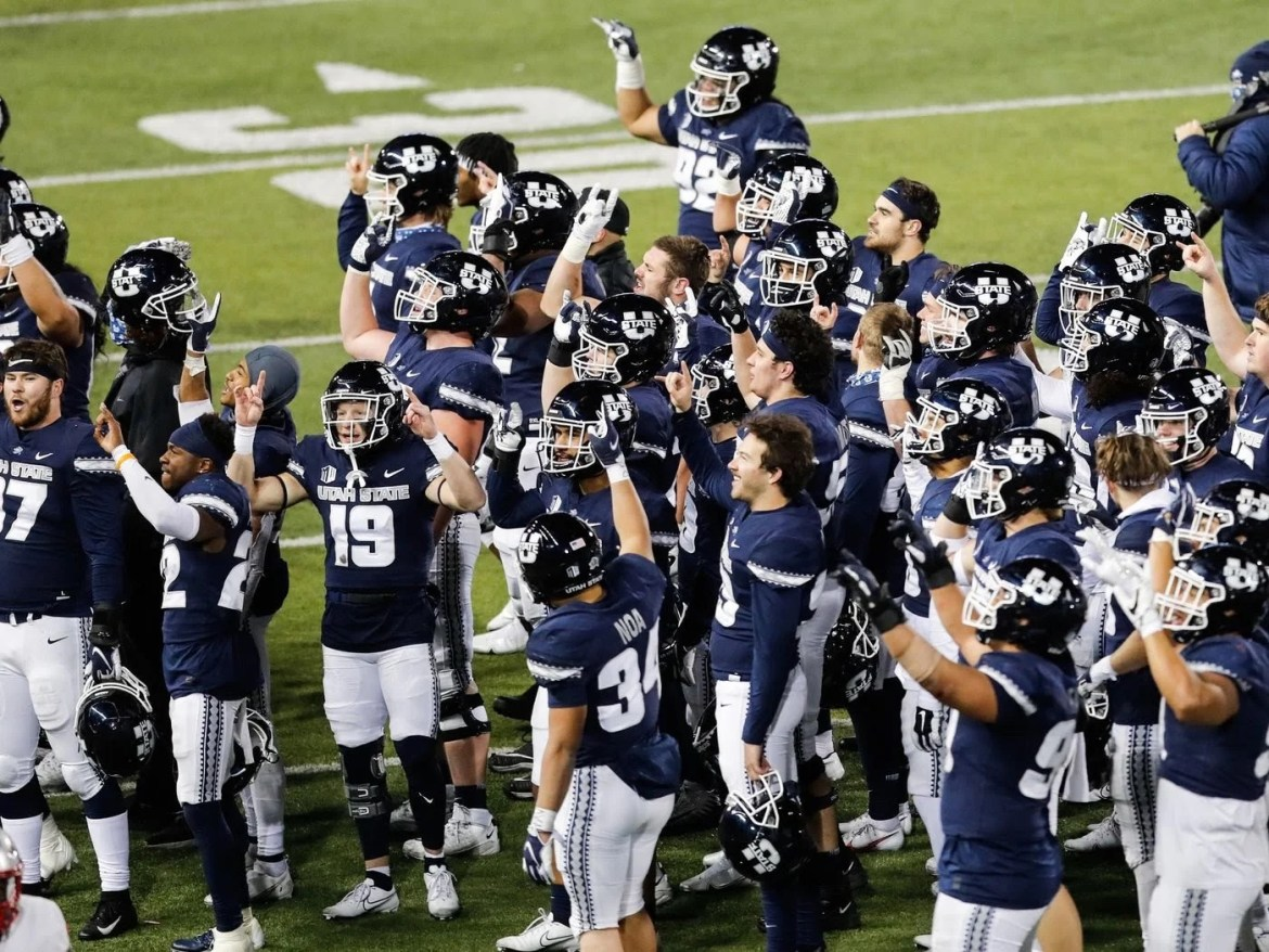 USU Football: Aggies feast on Lobo turnovers