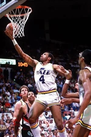 Throwback Thursday: Adrian Dantley leads Jazz with 36 points over Suns in Game 1