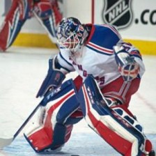 Lundqvist seeing rubber! (photo by Wikipedia)