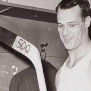 Gordie Howe 500 goals