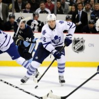 Tim Connolly Maple Leafs vs Penguins