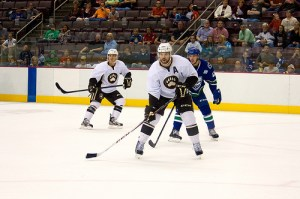 Hershey Bears in action against the Utica Comets during preseason (Annie Erling Gofus/The Hockey Writers)