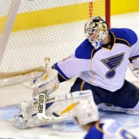 Elliott made 20 saves in the Blues' 2-1 win against the Jets on Tuesday (Bruce Fedyck-USA TODAY Sports)