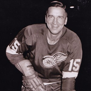Ted Lindsay wont be suiting up for the Red Wings this season.