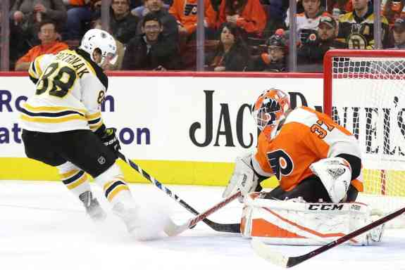 Brian Elliott Flyers David Pastrnak Bruins