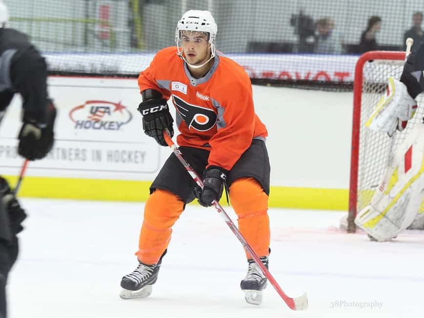 Flyers blow two-goal lead, lose to the Islanders in overtime