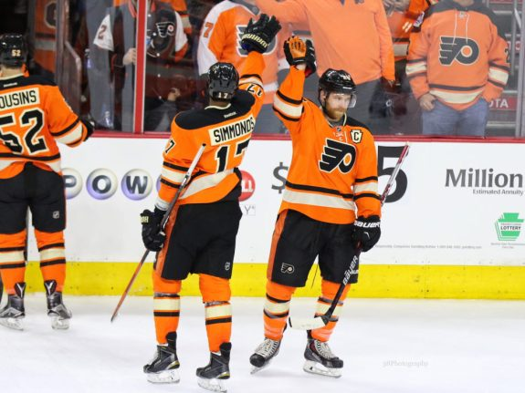Wayne Simmonds and Claude Giroux