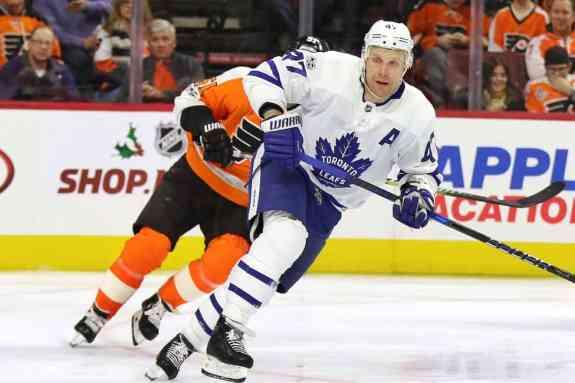 Leo Komarov, Maple Leafs