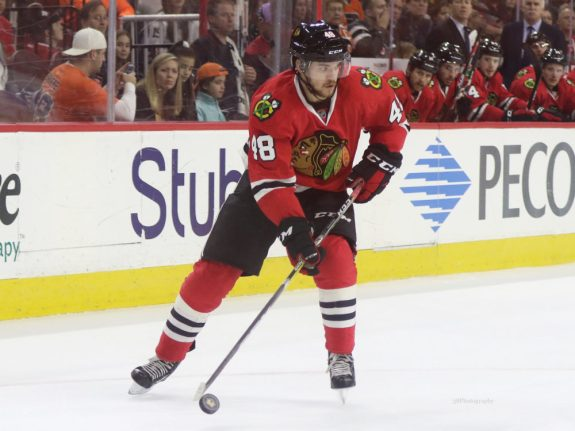 Vinnie Hinostroza, Chicago Blackhawks
