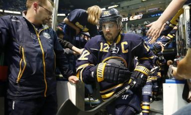 Sabres Honor Gionta in His 1,000th Game