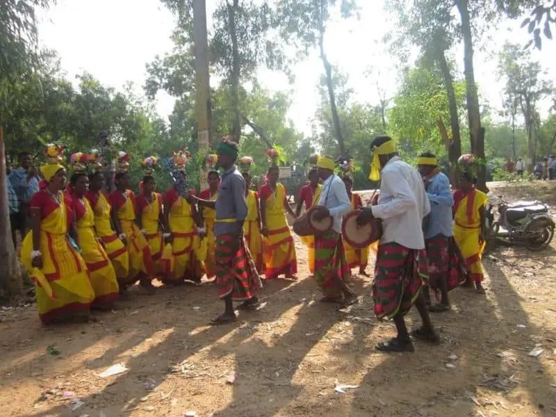 বোলপুর শান্তিনিকেতন ভ্রমণ গাইড - সোনাঝুরির হাট