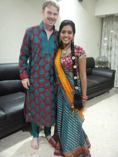 Modern Hindu wedding guide: Men's kurta pyjama/jabho langho. Right: Chaniya choli and example of braided hair extension