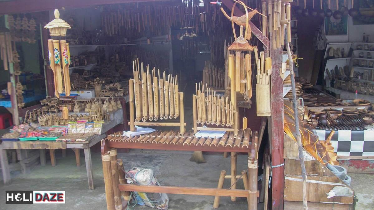 Shops at Tangkuban Perahu