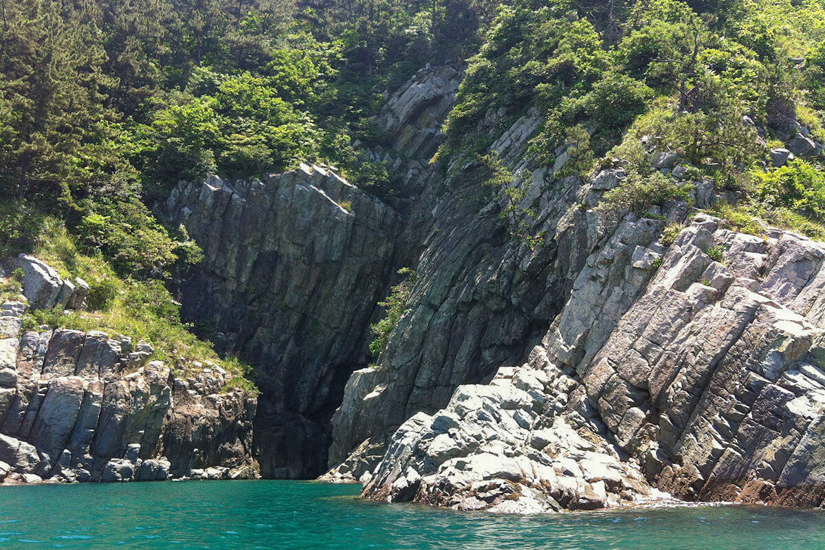 Kayaking the sea caves around Dumo, Namhae Island, South Korea