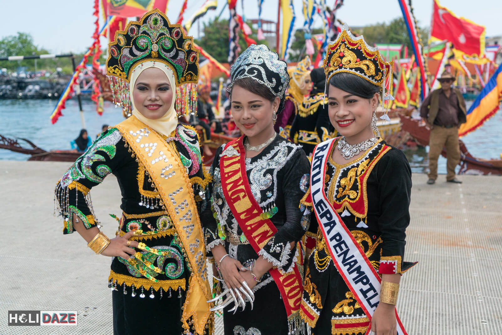 Local girls at the Regatta Lepa festivalin Semporna, Sabah