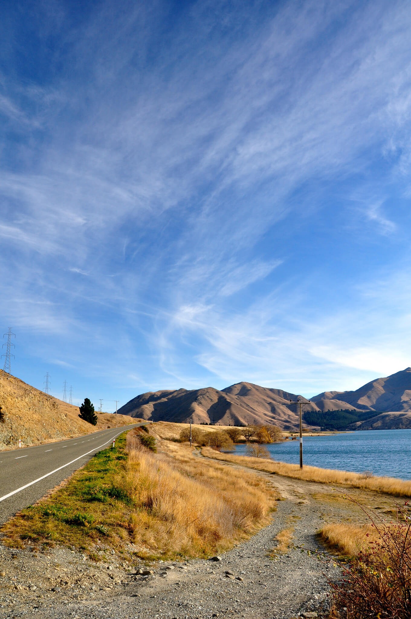 Driving north from Mount Cook Village to Oamaru past the beautiful lakes of New Zealand