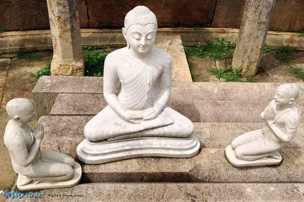 Buddha statues at Girihadu Seya in Trincomalee, Sri Lanka