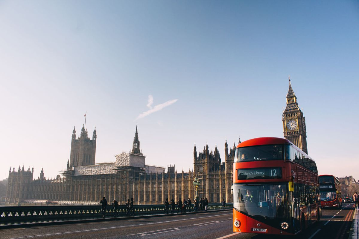 Comparing the pros and cons of traveling by bus around London