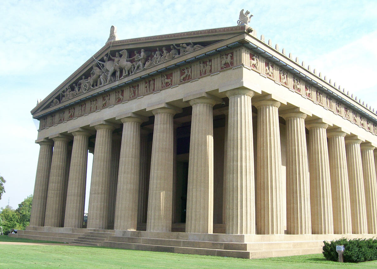 The Parthenon at Centennial Park -- experience the offbeat Nashville, Tennessee